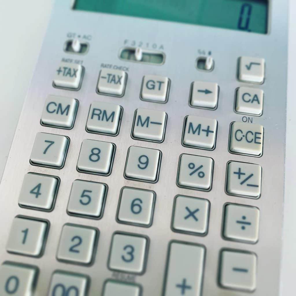 Combien coûte un poulailler ? Cette calculatrice n'y répondra pas seule, notre page, oui !